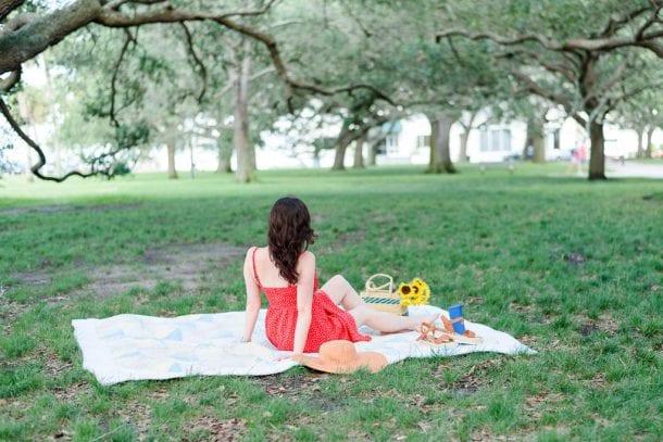 Ashley T, Charleston Blogger, at White Point Gardens downtown Charleston | Southern Picnic
