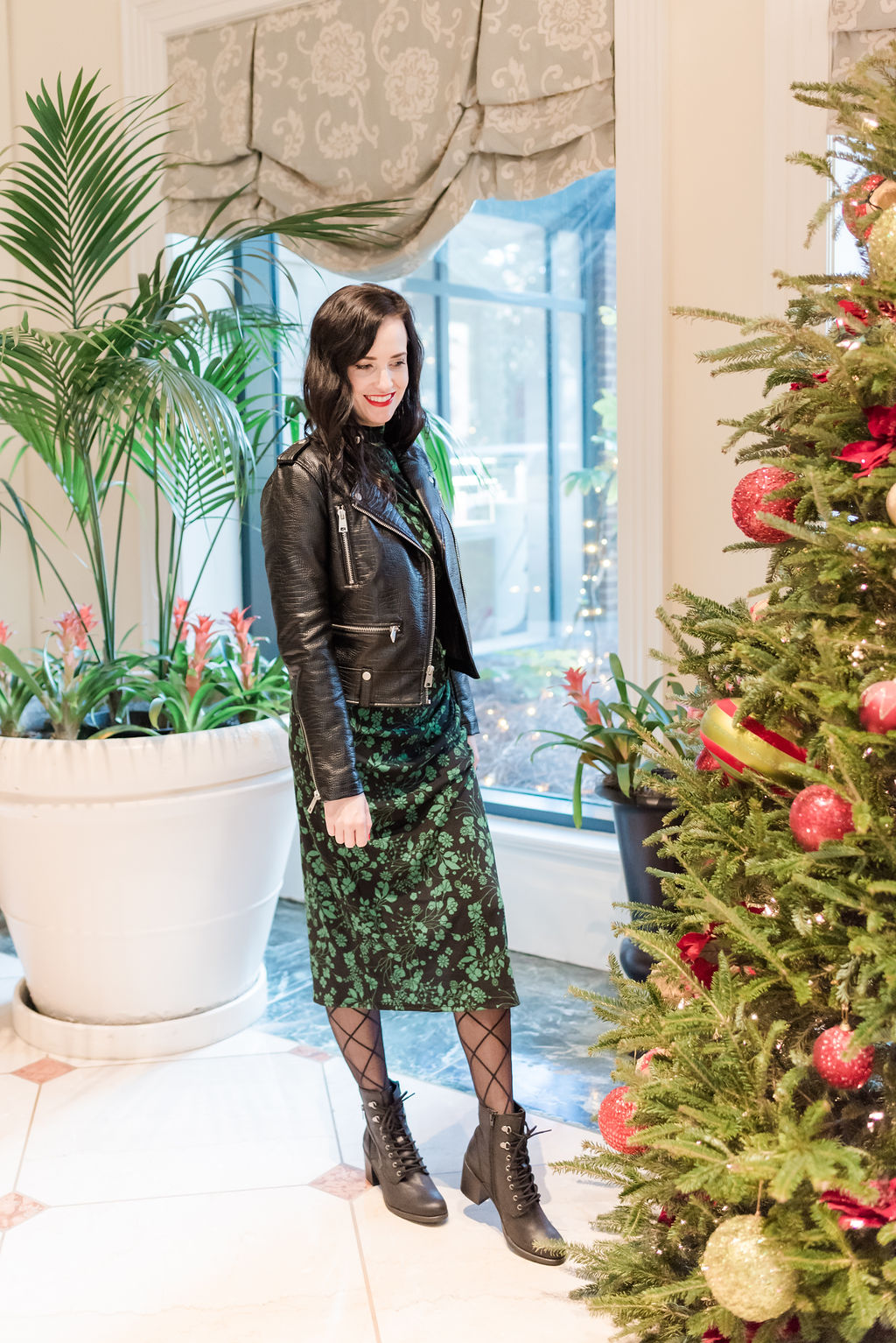 Dressy & Casual Christmas Party Outfit Ideas- Life With Ashley T - Charleston Blogger1