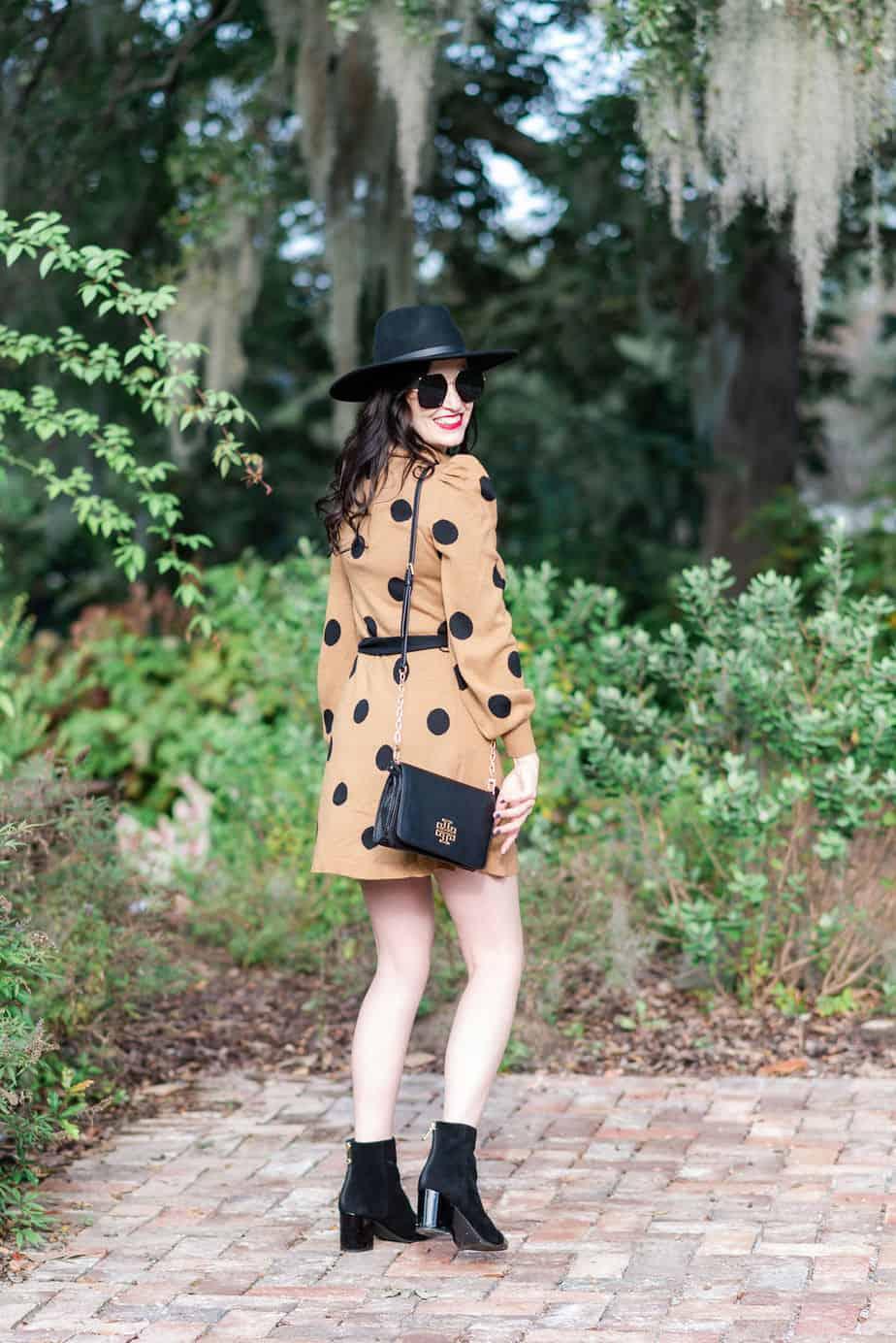 sweater-dress-polka-dot-tory-burch-crossbody